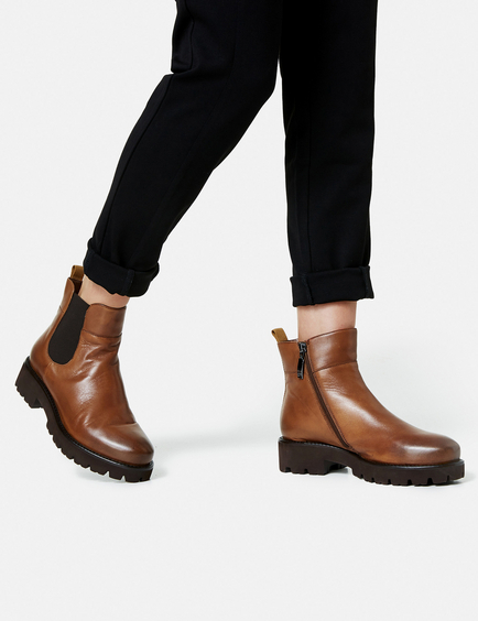 Jale sporty ankle boots in Brown