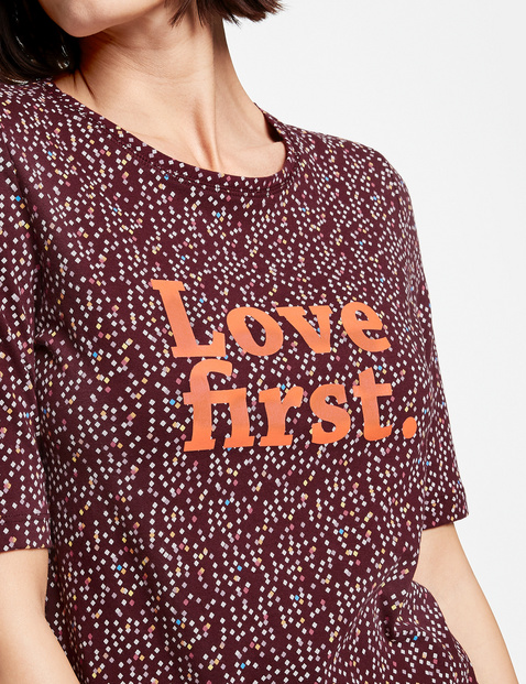 Cotton top with a lettering print