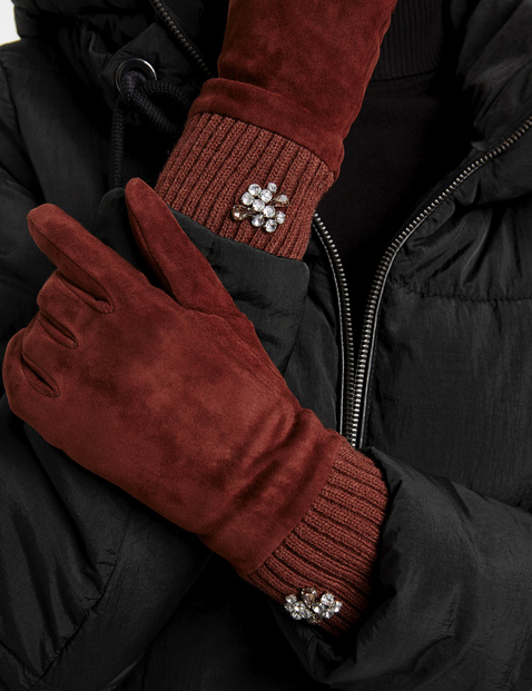 Leather gloves with a rhinestone