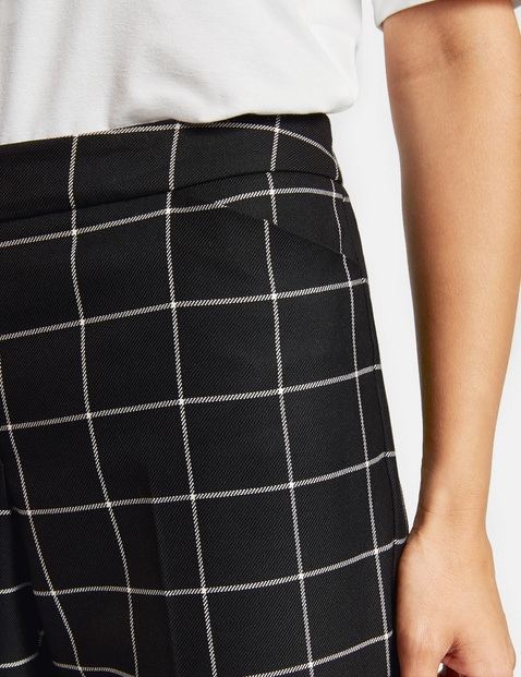 Trousers with check pattern, Peg Leg