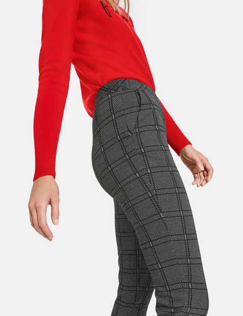 7/8-length stretch trousers with checks
