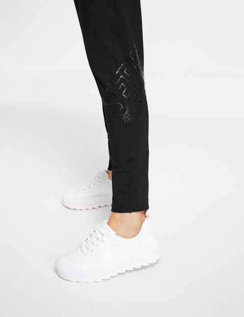 Tracksuit bottoms with a tapered leg