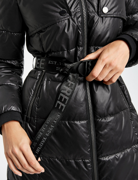 Quilted coat with a belt