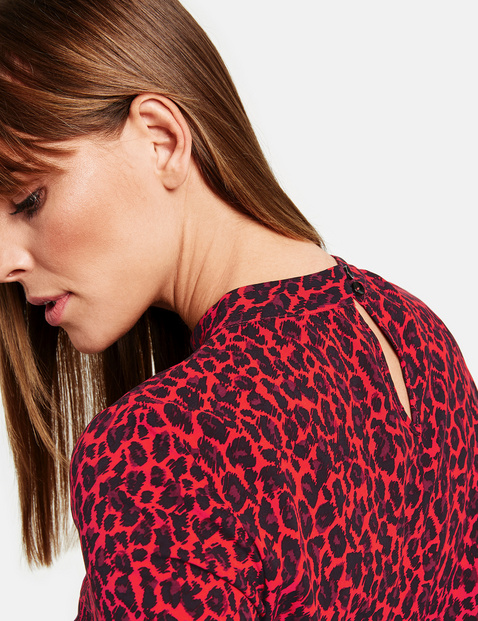 Blouse with a leopard print