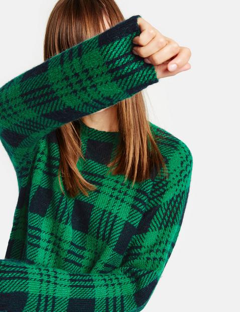 Sweter w tartanową kratkę