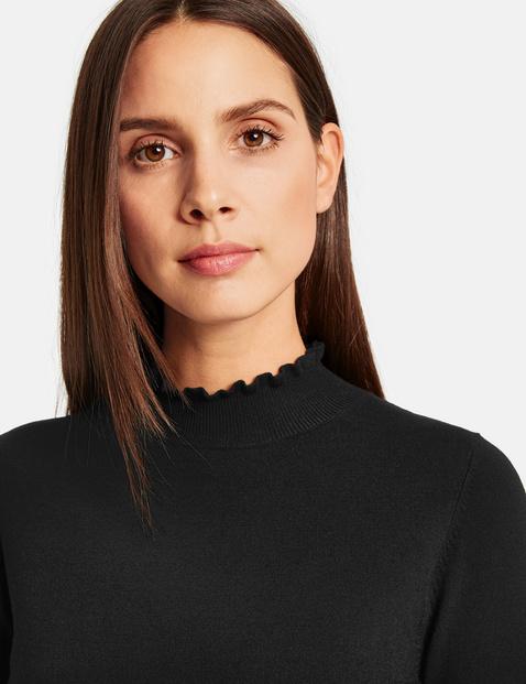 Stehkragen-Pullover mit Rüschen