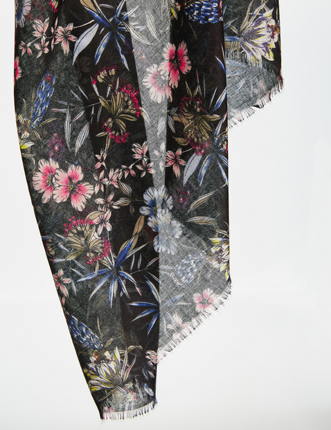 Scarf with a floral print
