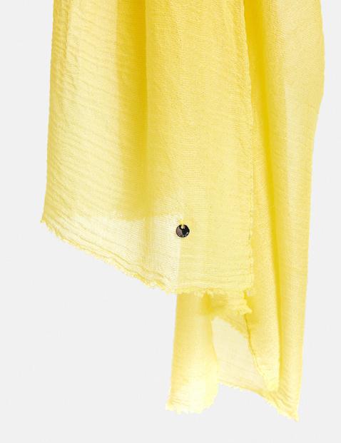 Soft plain-coloured scarf