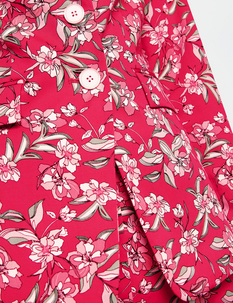 Blazer with a floral pattern