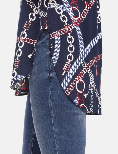 Long blouse with a chain print