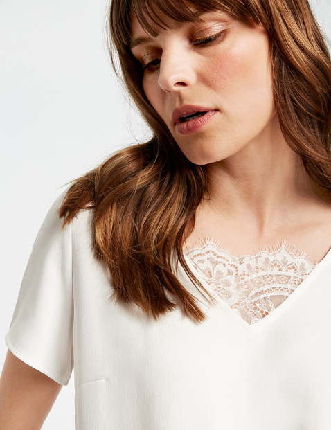 Blouse top with lace