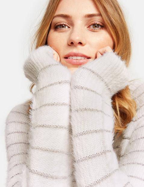 Miękki sweter w błyszczące paski