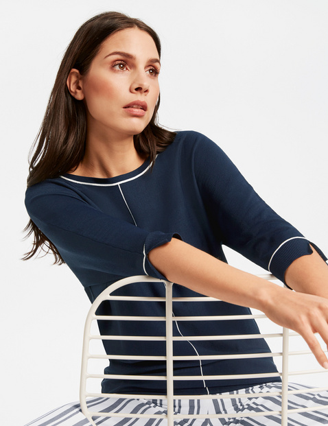 High-quality, fine knit jumper with 3/4-length sleeves