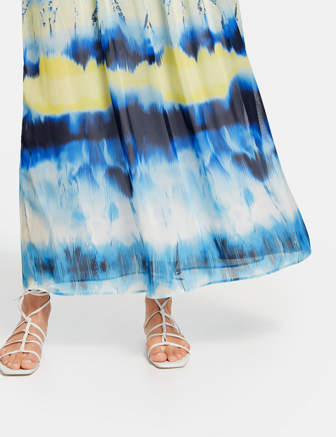Sukienka maxi w batikowy wzór