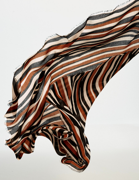 Scarf with a stripe pattern
