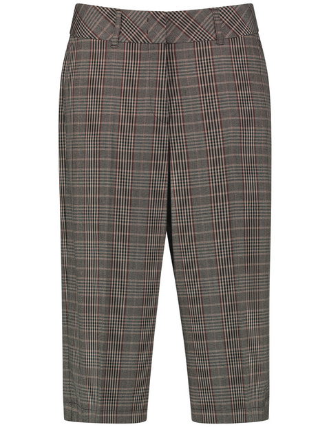 Bermuda shorts with a check pattern