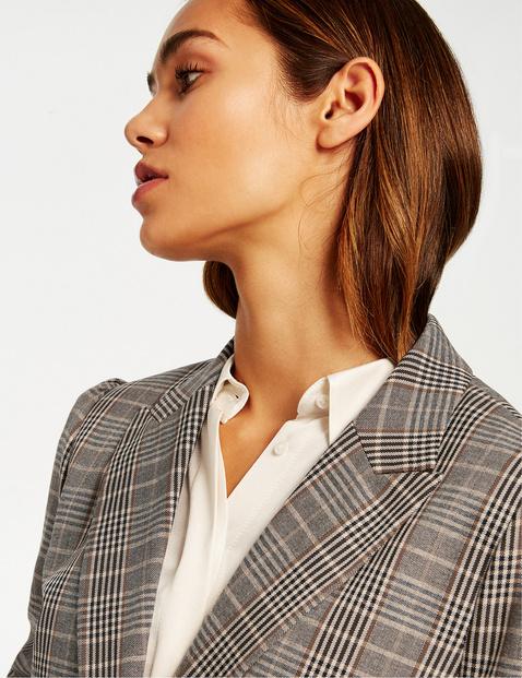 Karoblazer mit Schulterdetail