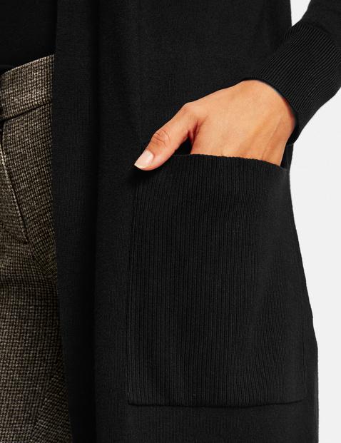 Lange, offene Strickjacke mit Taschen