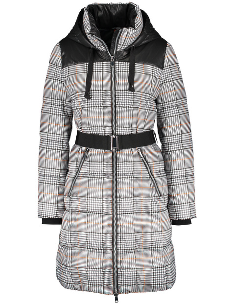 Quilted coat with a check pattern