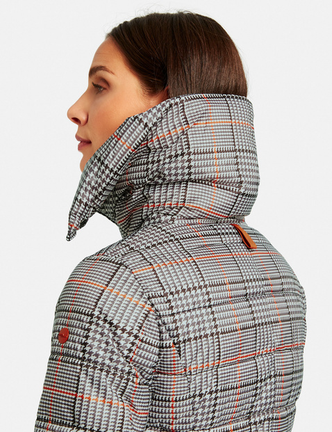 Quilted jacket with a check pattern