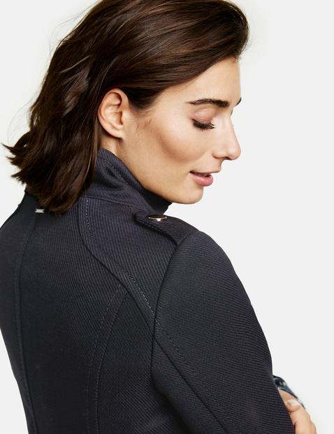 Mantel met opstaande kraag
