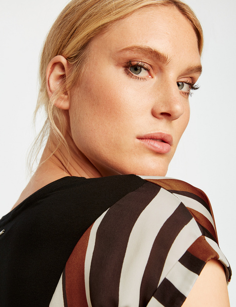 Blouse top in a striped design