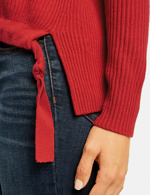Sweter z tunelem