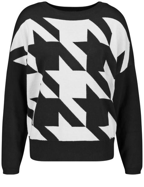 Sweter w pepitkę