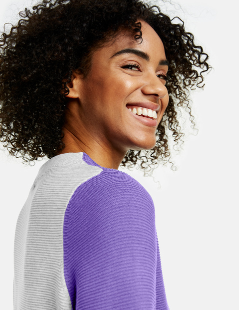 Jumper with a contrasting back