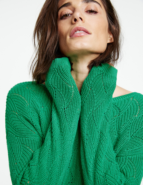 Pullover mit Strickmuster
