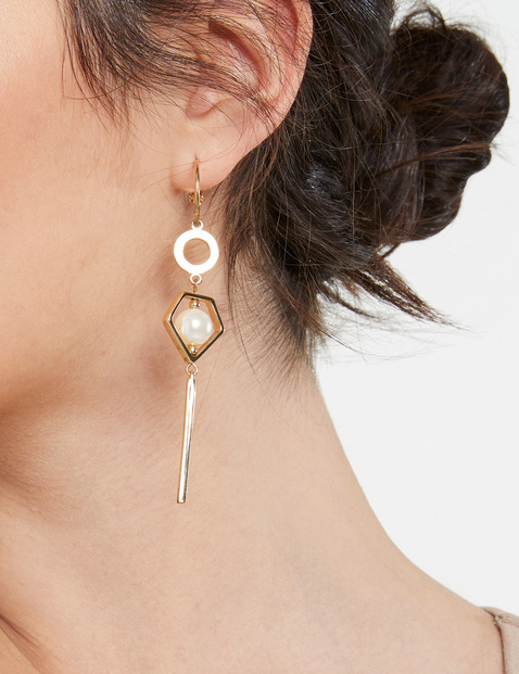 Earrings with decorative beads