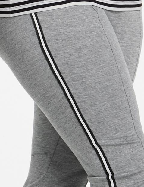 Jerseyhose mit seitlichem Streifen