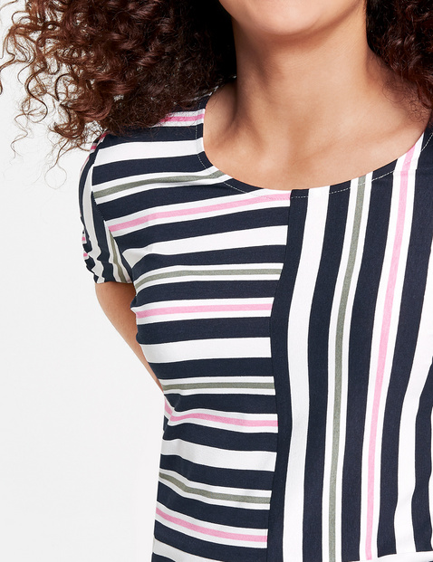 Mid-length sleeve top with stripes