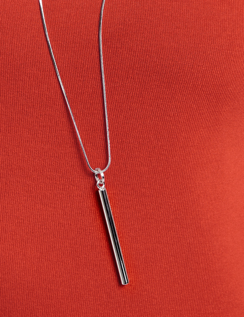 Necklace with a bar pendant