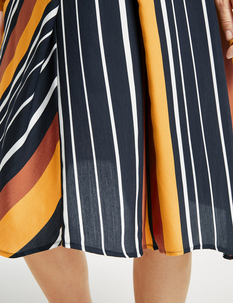 Skirt with a striped pattern