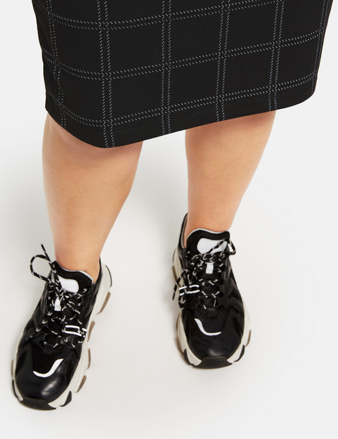 Skirt with a check pattern