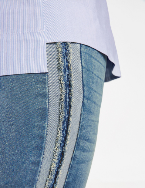 Betty jeans met galons