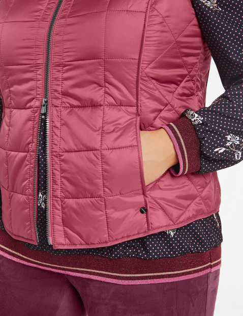 Lightweight quilted body warmer