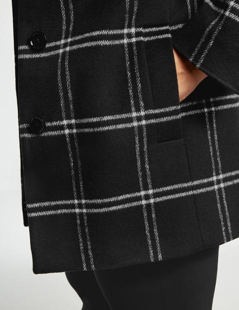 Short checked coat