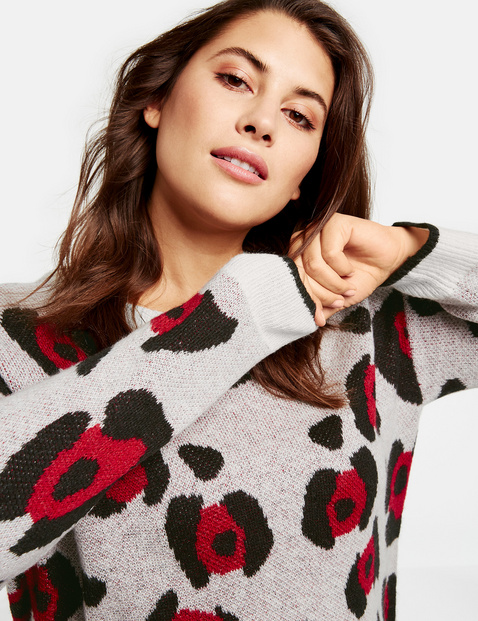 Jumper with an animal pattern