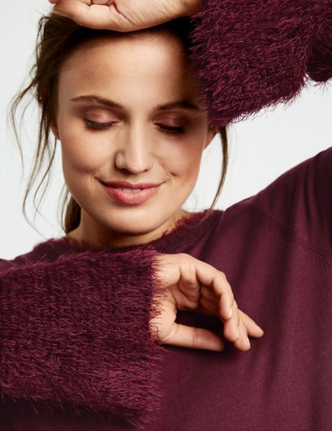 Sweter z detalami z puszystej przędzy