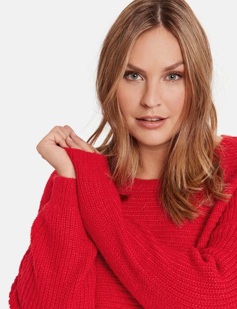Sweter z prążkowaną fakturą