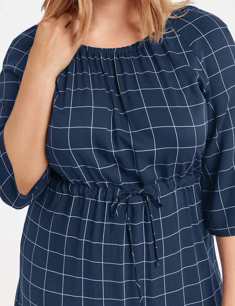 Dress with a check pattern