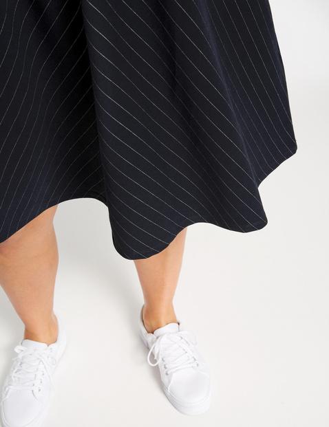 Jersey jurk met subtiel geweven streepmotief