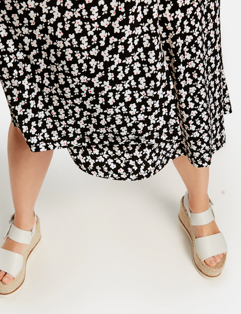 Slinky skirt with a wrap-over effect