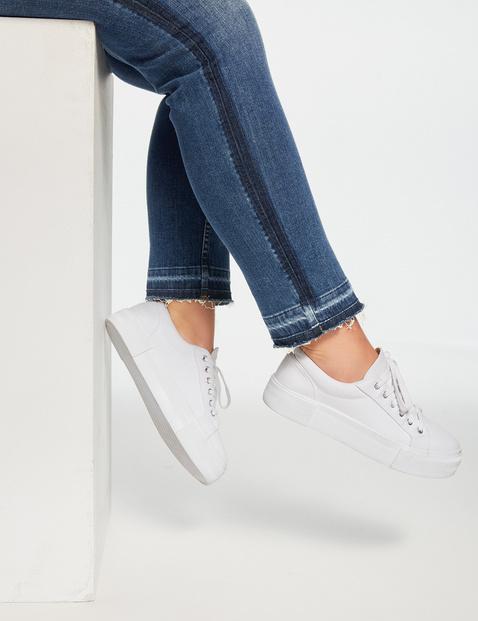 Betty jeans met contrastdetails