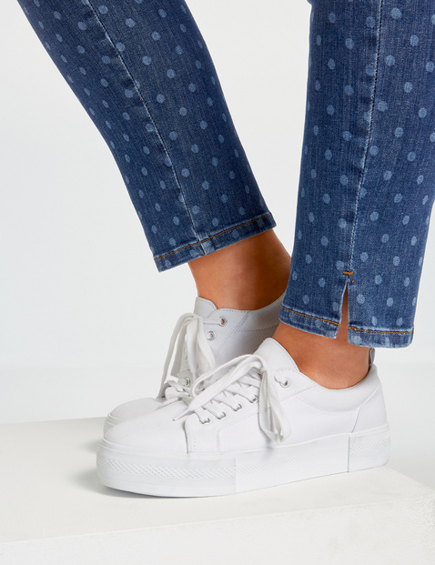 7/8-length jeans with polka dots