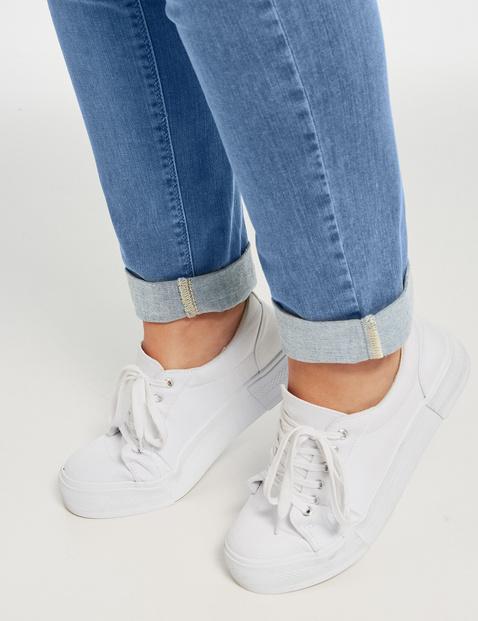 Jeans Betty met subtiel used effect