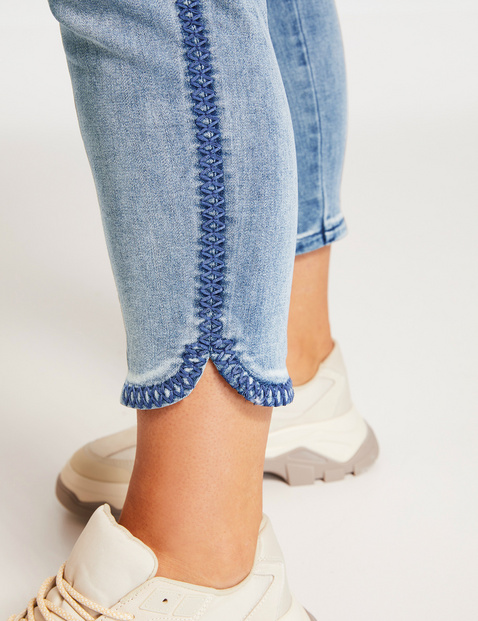 Betty jeans with decorative topstitching