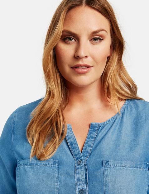 3/4-sleeve blouse